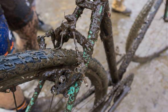 泥だらけ自転車