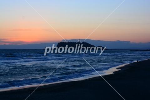 4840966 夕暮れの江の島