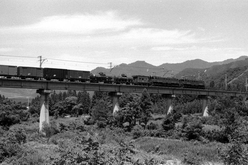 EF15一族・・機関車らしい機関車
