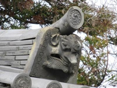 西大寺東門の瓦