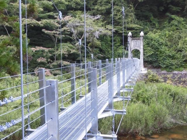 丸畑渓谷の吊橋 (6)