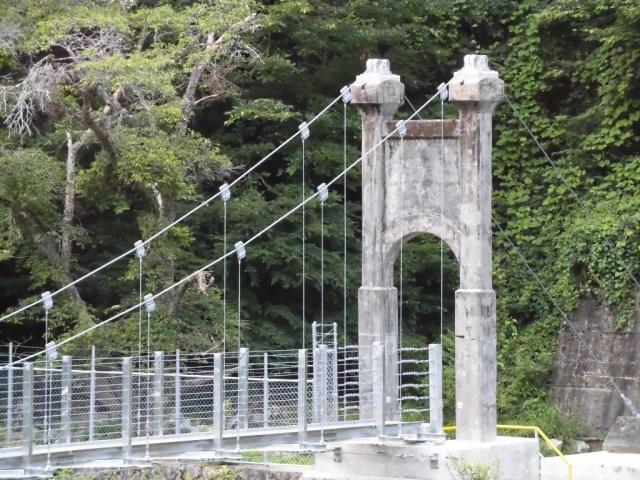 丸畑渓谷の吊橋 (7)