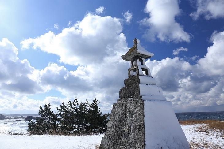 春日崎の石灯籠2