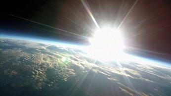 宇宙日の出