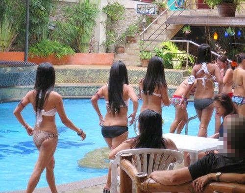swimsuit contest112616 (2)