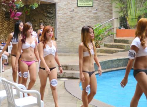 swimsuit contest112616 (3)