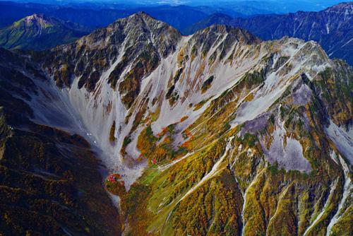 紅葉の穂高岳と涸沢カール