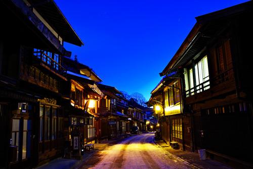 奈良井宿の夜景・夜明けの奈良井宿