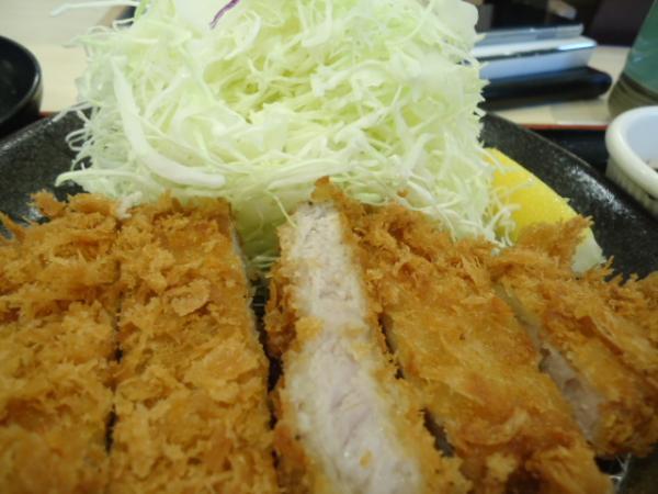 2/5 松乃屋・味噌ロースカツ定食