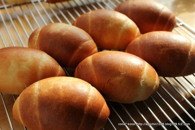 16.11.15ロールパン1
