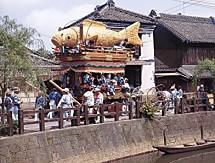 佐原の旧家と魚の山車