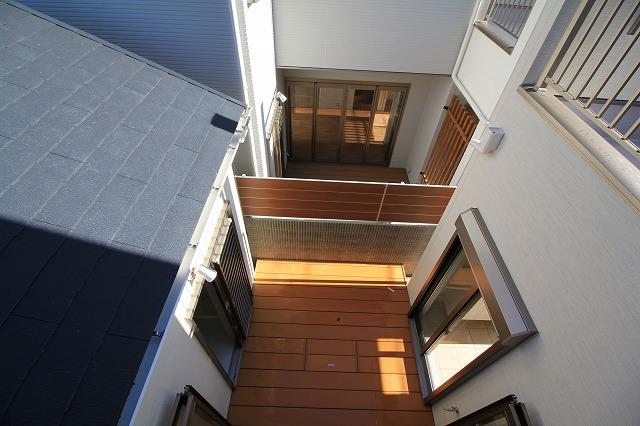 2階からデッキ2