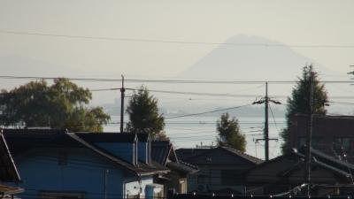 窓から見た琵琶湖(11月18日8時頃)