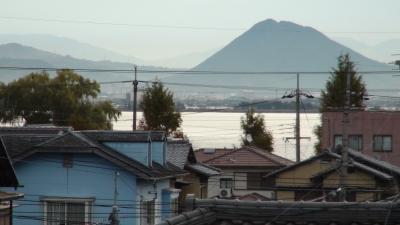 窓から見た琵琶湖(11月24日8時頃)