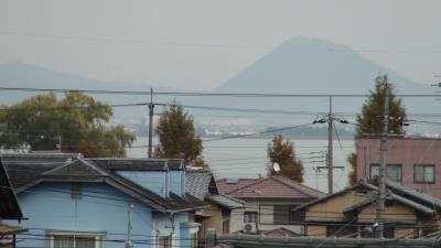 窓から見た琵琶湖(11月28日8時頃)