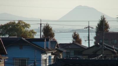 窓から見た琵琶湖(11月30日8時頃)