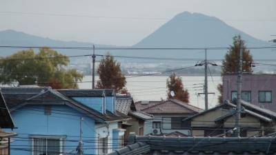 窓から見た琵琶湖(12月2日8時頃)