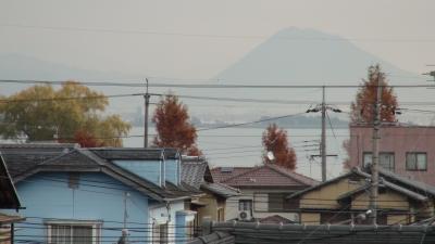 窓から見た琵琶湖(12月9日8時頃)