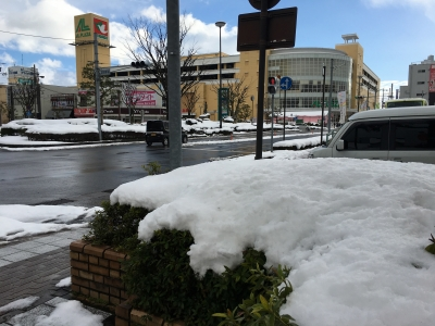 JR堅田駅前はこんな状態(1月16日15時30分頃)