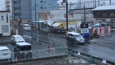 堅田は朝から雪です(2月2日7時頃)