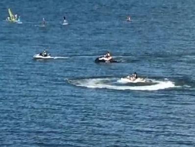 琵琶湖の水上バイク