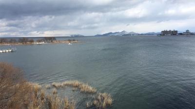 琵琶湖大橋西詰めから眺めた北湖(2月11日13時頃)