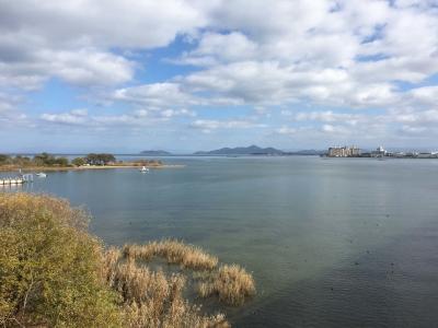 琵琶湖大橋西詰めから眺めた北湖 日射しが戻って穏やかないい天気になりました(12月2日12時頃)