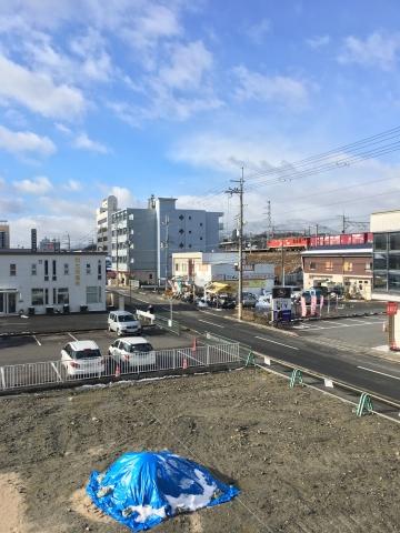 すっかり雪が解けたJR堅田駅付近(2月12日9時頃)