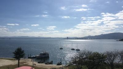ランチタイム前の琵琶湖南湖ホテル井筒沖 朝から北風がちょっと強くて、昼前に弱まって、午後はまた強くなるというコンディションが安定しない1日でした(11月16日11時30分頃)