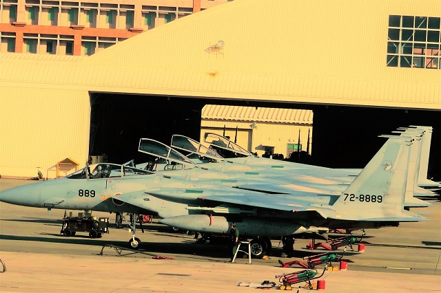 駐機中のF15イーグル