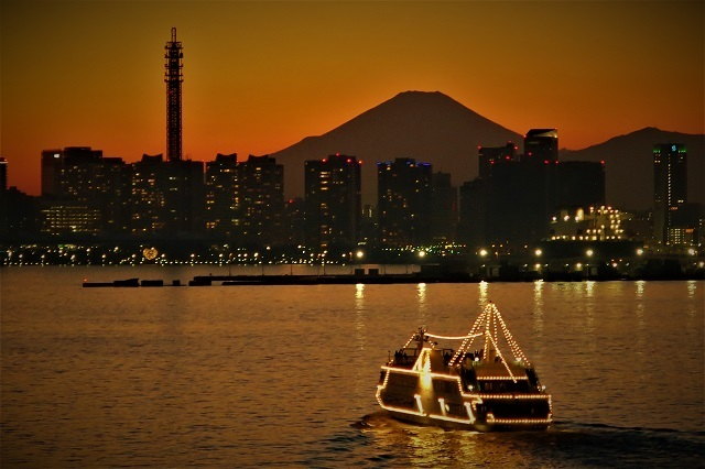 2017大黒大橋から見た横浜港の夕景(3)