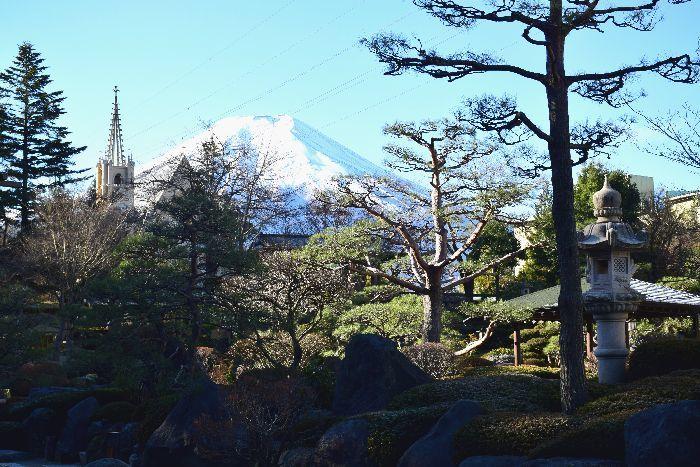 113-式場ホテル庭園からの富士山