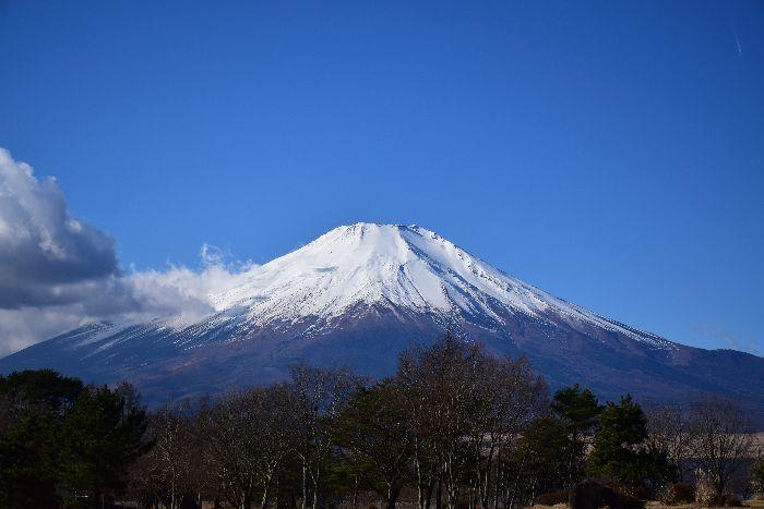 132-山中湖畔からの富士山