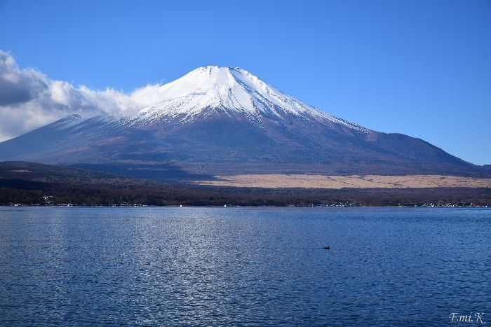 137-Emi-山中湖畔からの富士山