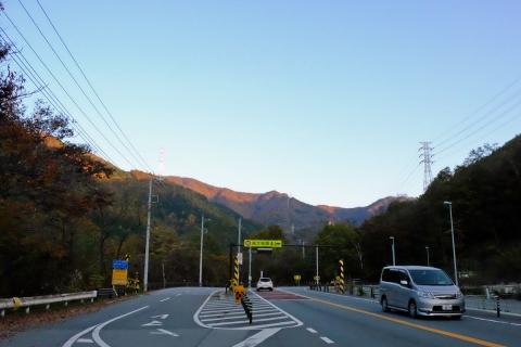 22御坂峠へ新旧分岐点