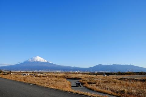 06富士川から富士山と愛鷹山