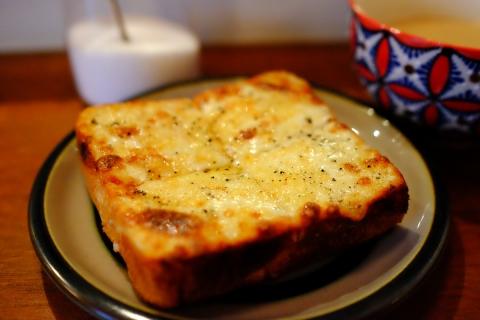 02チーズトースト