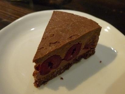 チョコとチェリーのケーキ