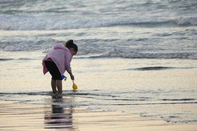 夕暮れビーチ1