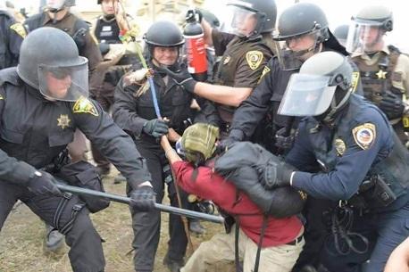 Dakota-Access-Pipeline-Protest-1_201612041600458e6.jpg
