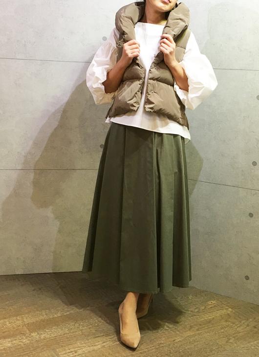アヴァンルタンのロングスカートとアヴァンルタンのふんわり袖のブラウス