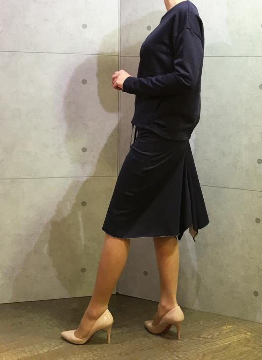 イリゼのカットソーのスカートとプルオーバーセットアップ