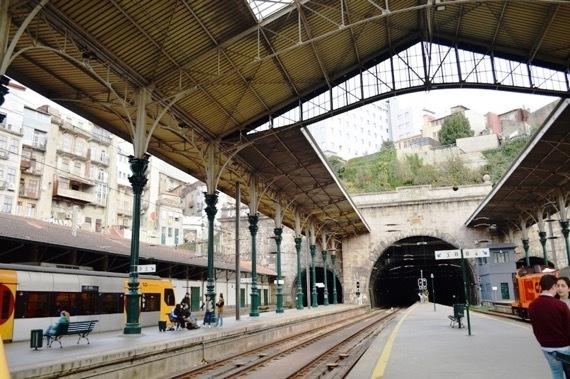 ⑤電車駅とトンネルは1910年