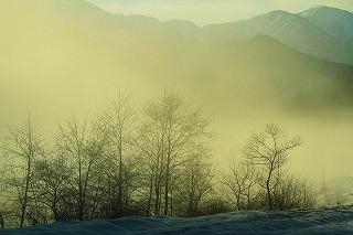 霧の朝・利賀は百瀬