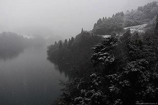 雪の神通峡