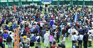 沖縄県議会、オスプレイ撤去求める決議2016