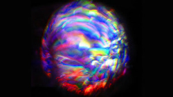 16680079433_3b52264c14我々はホログラムの世界に