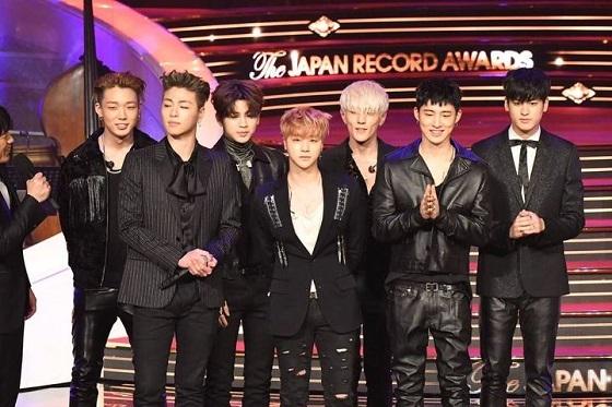 「第58回 輝く!日本レコード大賞」を受賞した最優秀新人賞を獲得した「iKON」
