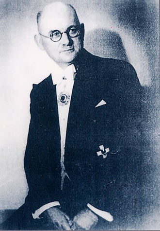 ジョン・ラーベ(John Rabe)は南京安全区国際委員会の委員長であり、シーメンス南京支社長、ナチス党員でした。