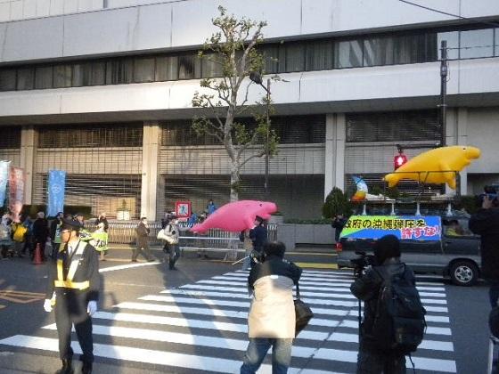 20161210沖縄パヨクの悪行に抗議!韓国人、支那人、土人が浄水場やお墓に糞尿!基地反対集会デモに抗議街宣【緊急抗議】日本の国防を違法に妨害するパヨクにカウンター